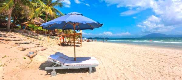 Bãi biển Dốc Lết vịnh Vân Phong